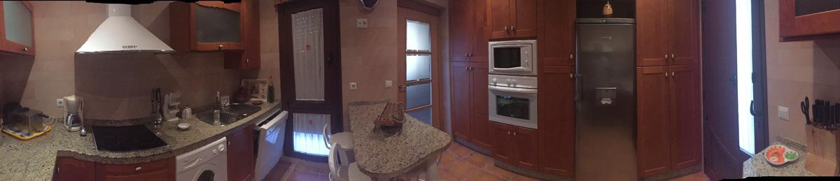 panoramica_cocina-VillaSierra-de-las-Cruces--Alojamiento-Rural-